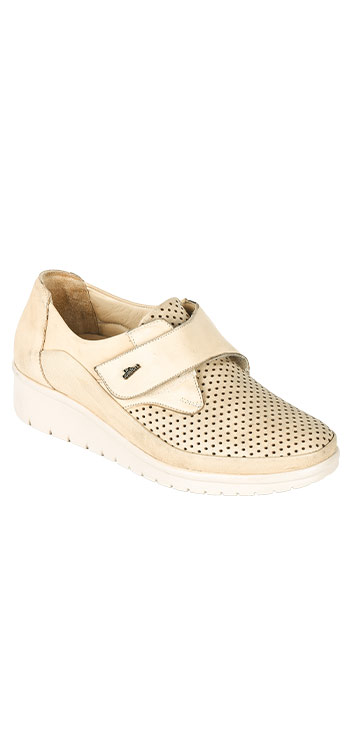 Women's medical shoes